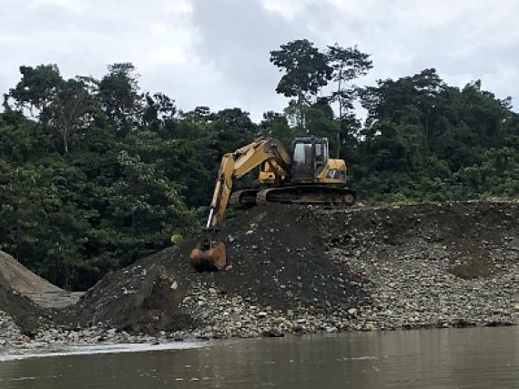 Desarmando el entramado de los extractivismos por el oro en los ríos sudamericanos